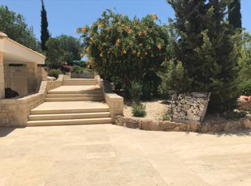 4 bedroom villa in Afrodites Hills - #13